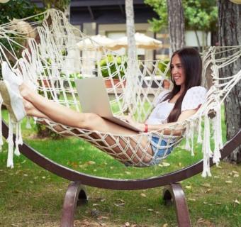 3 główne powody, dla których warto kupić wygodny hamak do ogrodu lub na balkon