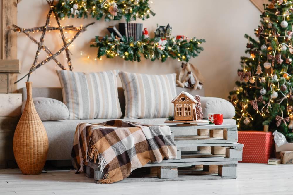 Ozdobiony świątecznie dom